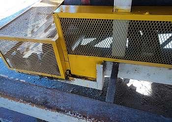 Barreira de proteção para máquinas