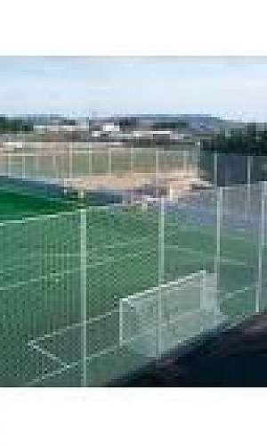 Rede de proteção para campo de futebol