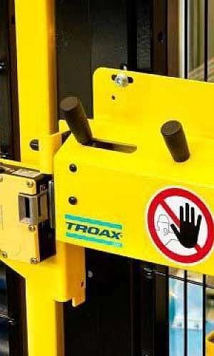 Sistema para proteção de máquinas industriais
